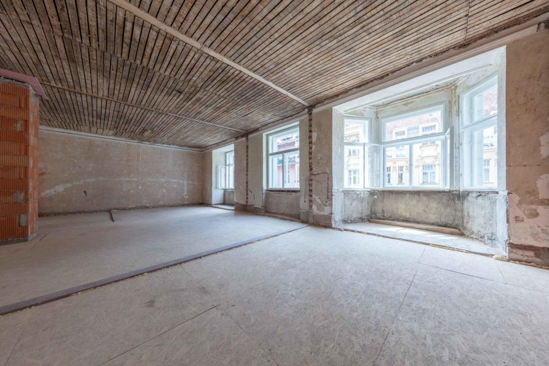"""Вид квартиры на 5 этаже дома в отделке «shell and core"""""""